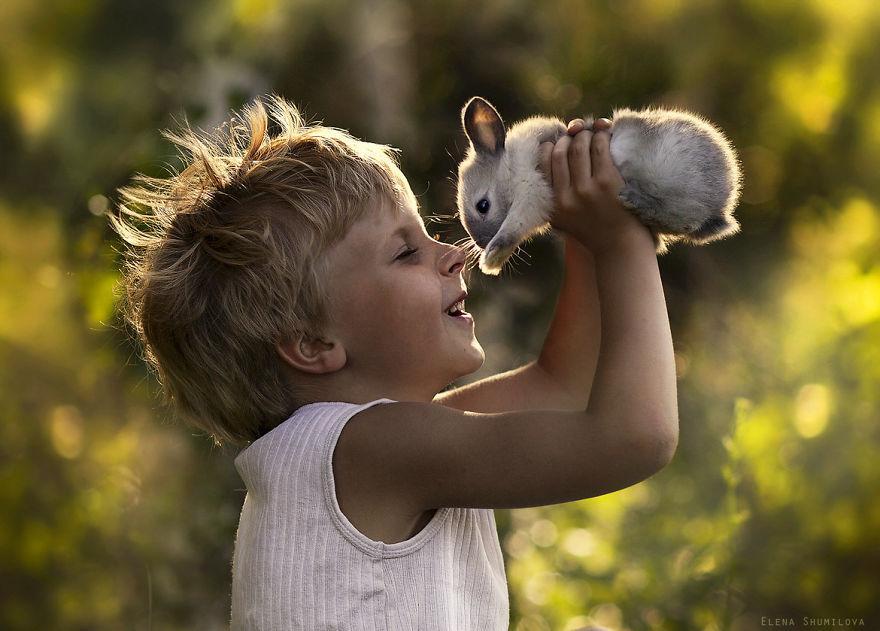 Magnifiques photos d'enfants et leurs lapins